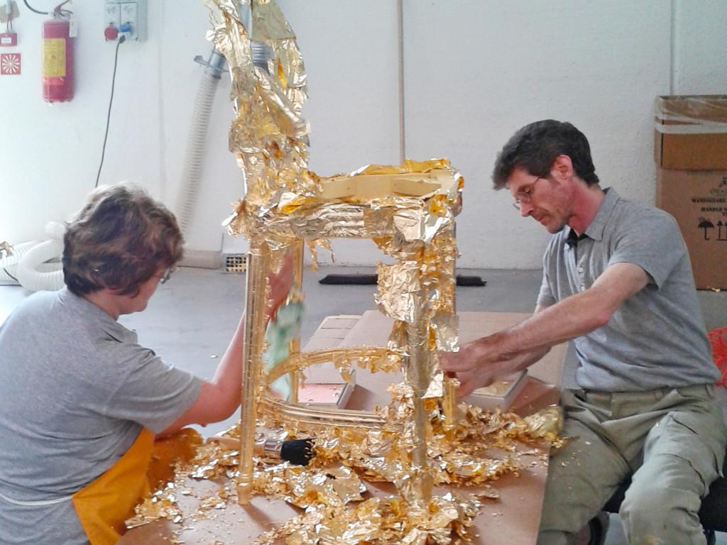 Вот так деревянные изделия становятся золотыми. Золочение сусальными листами. Всё в ручную!