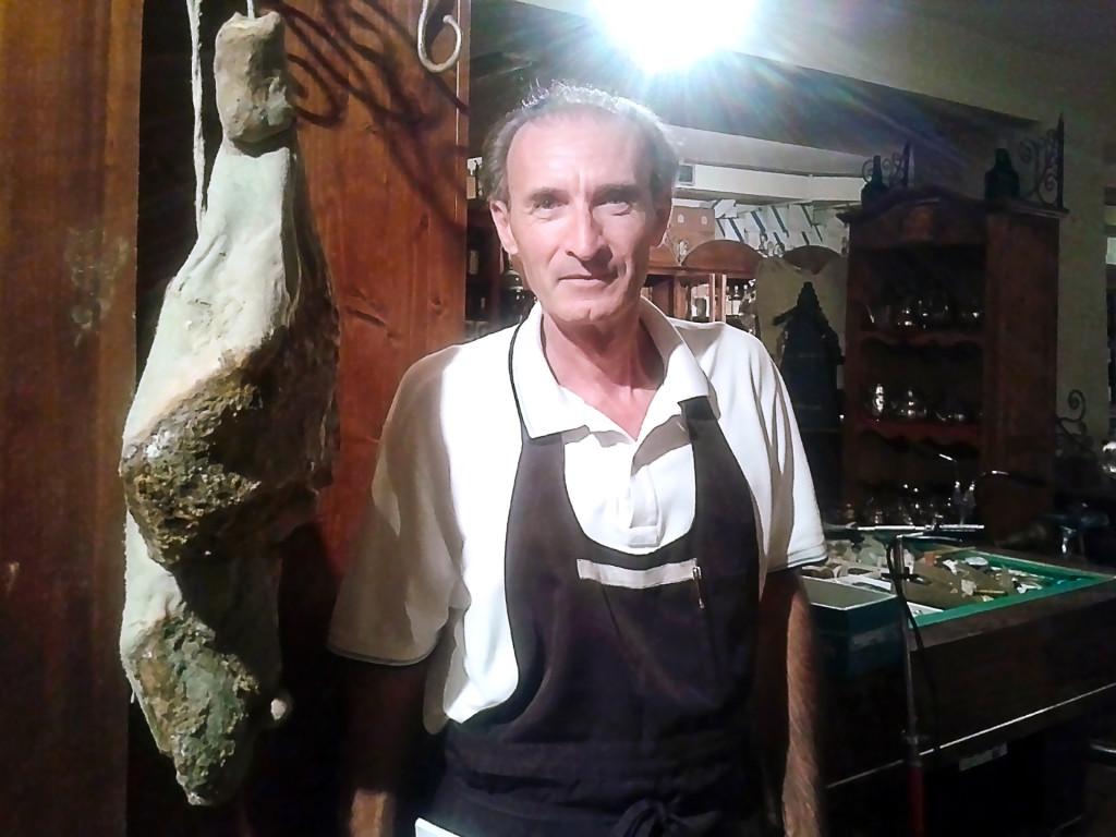 Морис — директор ресторана «LA VITA E' BELLA»