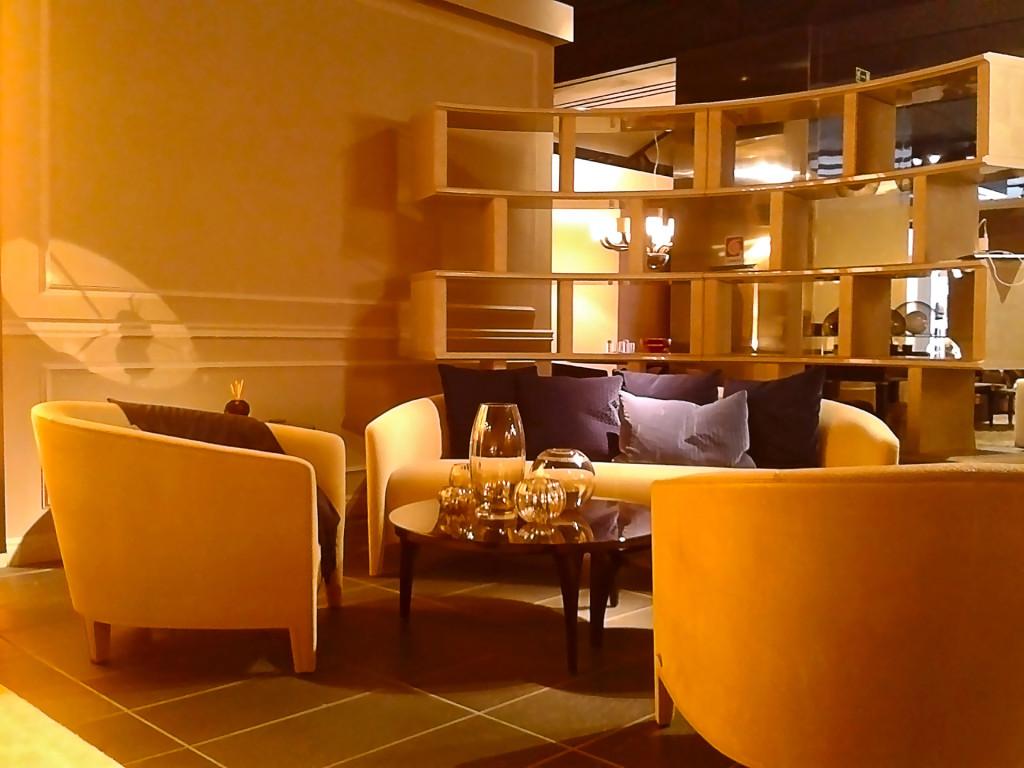 Шоу-рум «FENDI casa»: гостиная