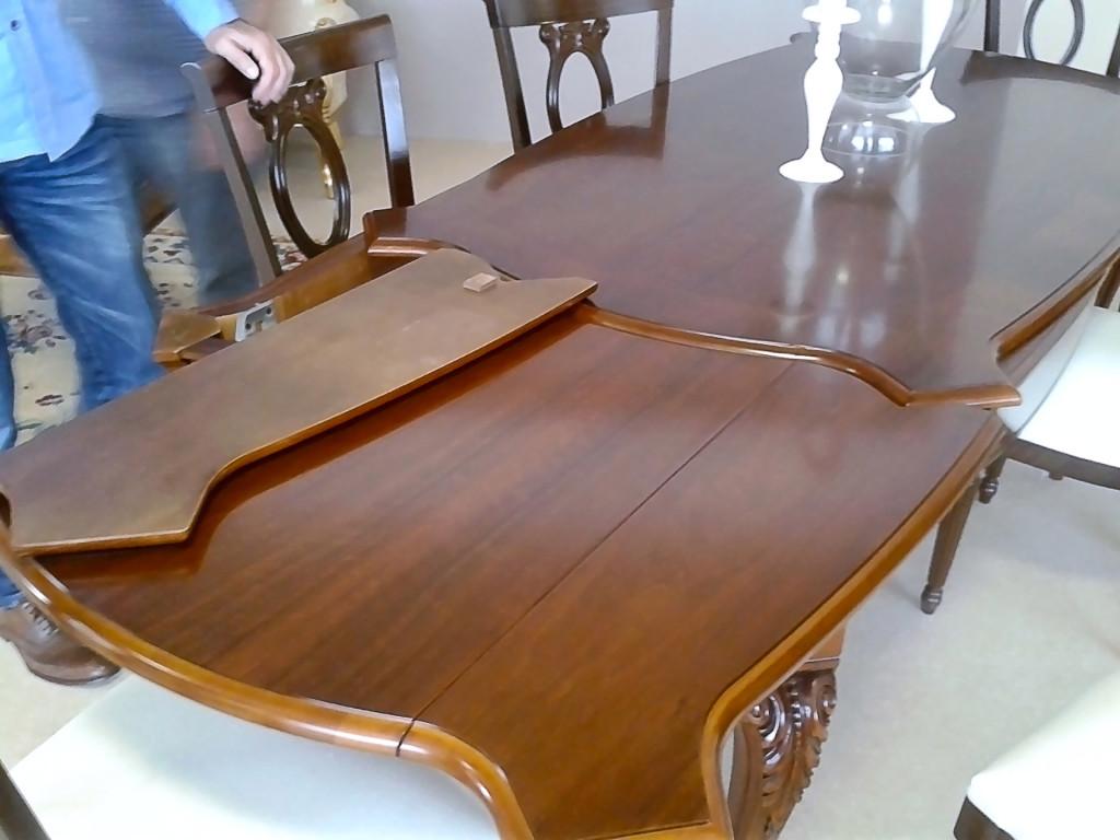 Шоу-рум «Stilema», раскладной стол