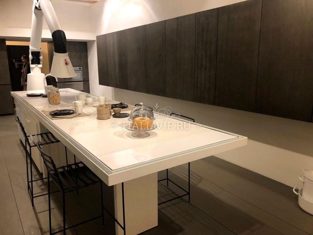 Итальянский разделочный стол в стиле Лофт