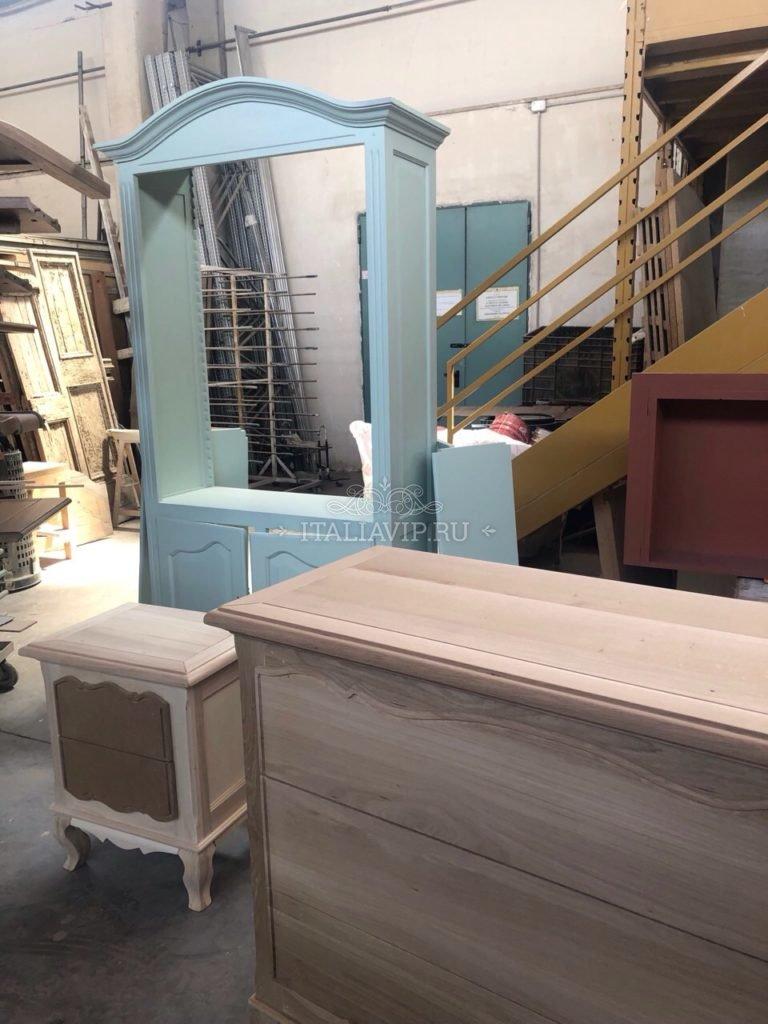 На мебельной фабрике в Тоскане