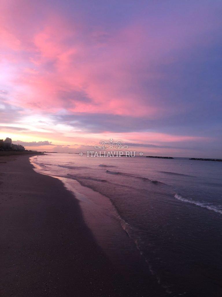 Закат на берегу Италии