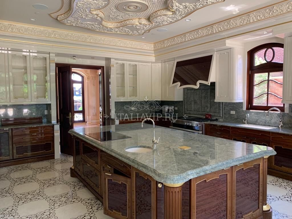 Итальянская мраморная столешница на кухню